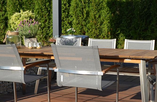 Gartenmöbel aus recyeltem Teakholz, Tischgruppe Zebra, Detailansicht Swinger