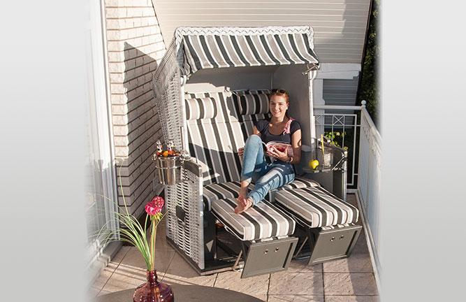 Strandkorb Konsul auf dem Balkon, Zweisitzer
