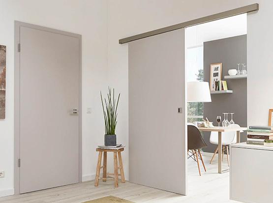 Designverbund Türenserie Chalk mit Schiebe- und Echtlacktür
