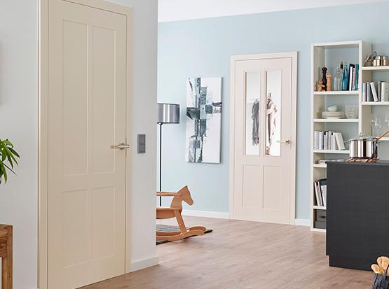 Designverbund Zimmertüren mit Kassettierung und Lichtausschnitten