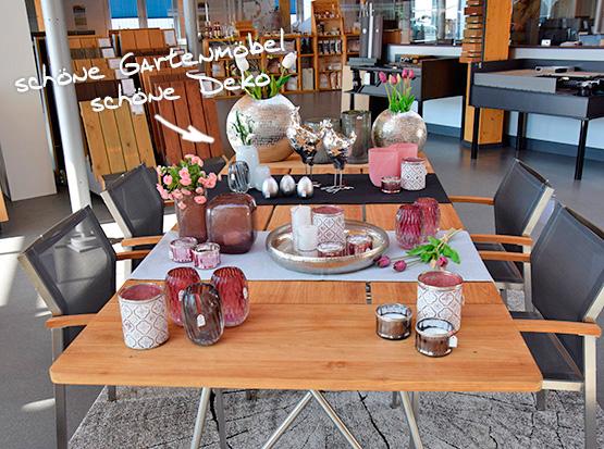 Gartensitzgruppe mit Teakholz-Tisch und Stühlen aus Edelstahl und Teakholz