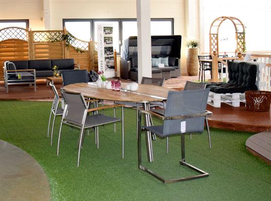 Große Auswahl an Gartenmöbeln aus recyceltem Teakholz mit Edelstahl