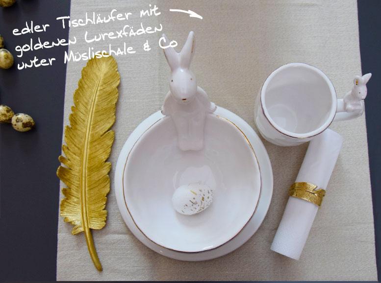 Ostertisch mit cremfarbenen Tischläufer mit goldenen Lurexfäden
