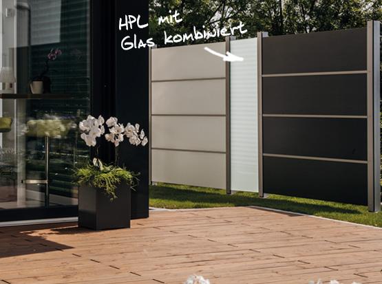 HPL-Sichtschutz mit satiniertem Glas-Element