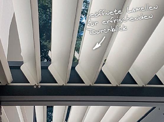 Alu-Überdachung Lamelloline mit geöffneten Lamellen