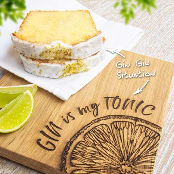 Gin Tonic-Kuchen auf schottischem Eichenbrett