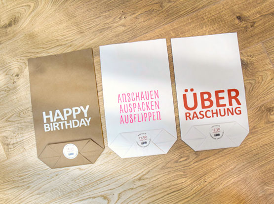 Kraftpapier-Geschenktüten mit Spruch, HolzLand Köster in Emmerke