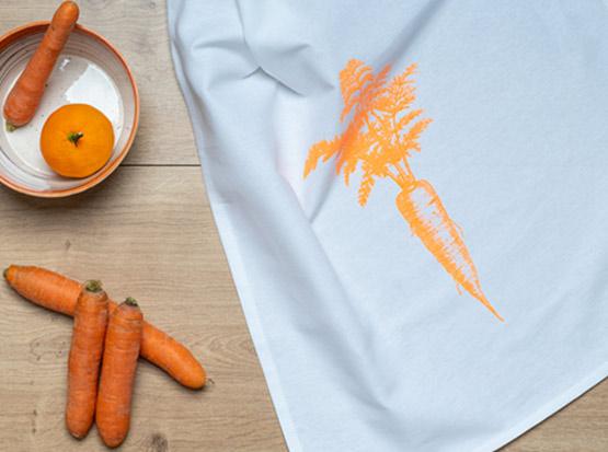 Geschirrtuch Karotte orange, HolzLand Köster in Emmerke